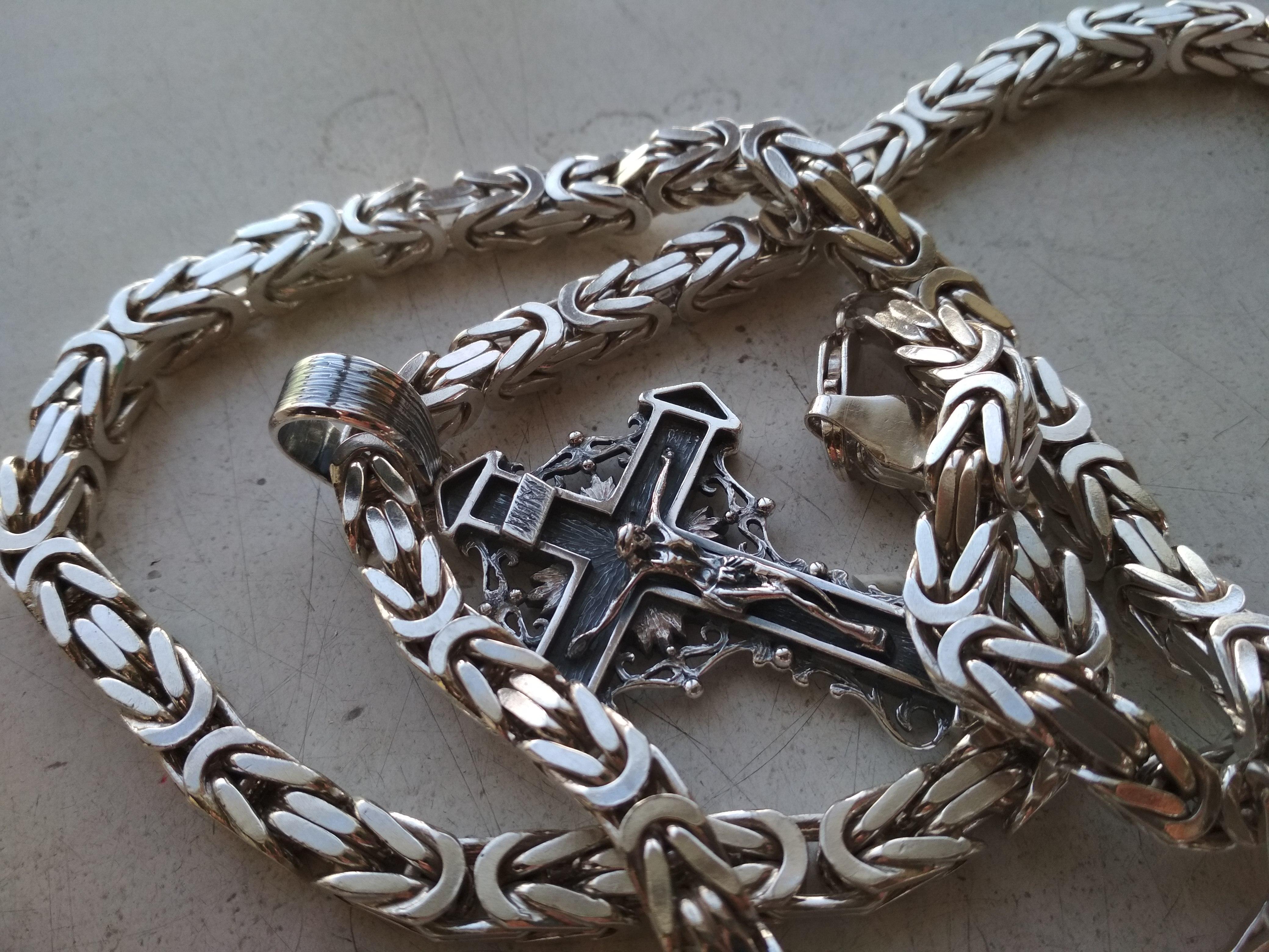 Splot królewski łańcuch i krzyż na zamówienie