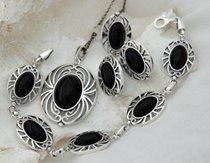 ac38b16b984218 Srebrne komplety z onyksem – sklep ze srebrną biżuterią na prezent ...